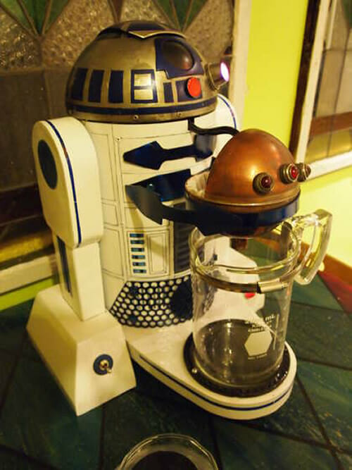 Cafeteira R2-D2: Beboobeep! Seu café está pronto!