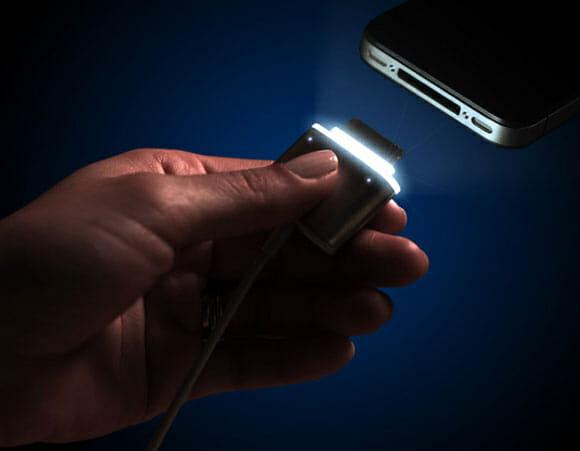 CordLite - Um criativo cabo de iPhone que se ilumina em ambientes escuros (vídeo)