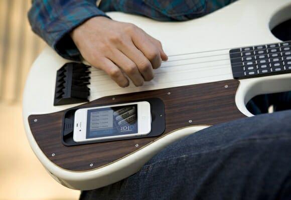 gTar - A primeira guitarra do mundo que qualquer um saberia tocar (vídeo)