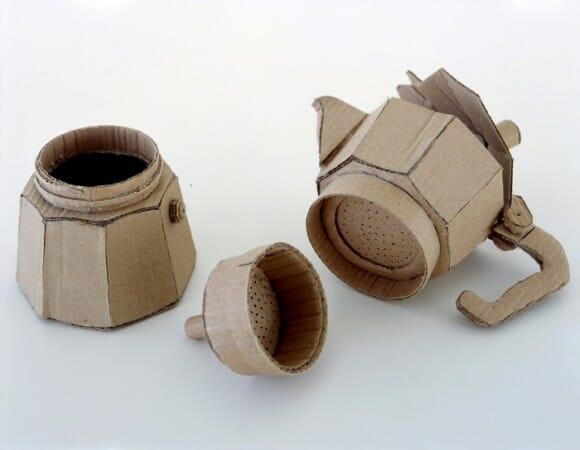 Objetos de papelão feitos em tamanho real. AWESOME!