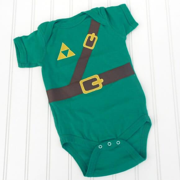 Bebê à vista? Vista-o com roupinhas inspiradas em temas como Zelda e Star Trek!