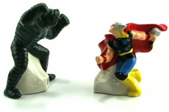 Saleiro e pimenteiro do Hulk vs Wolverine e Thor vs Destroyer