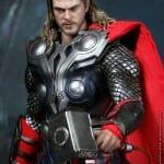 "Novo action figure do Thor da Hot Toys baseado no filme ""Os Vingadores"""
