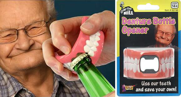 Abridor de garrafas em forma de dentadura