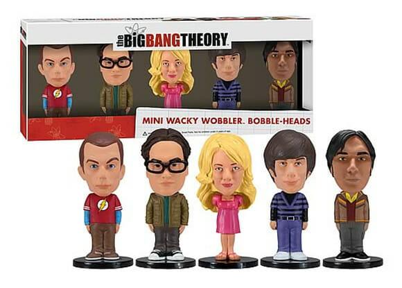 Box com 5 personagens da série The Big Bang Theory em formato Bobble Head. Bazinga!
