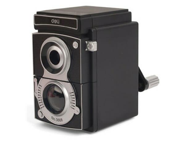 Apontador de mesa em forma de câmera fotográfica retrô: Útil e criativo!