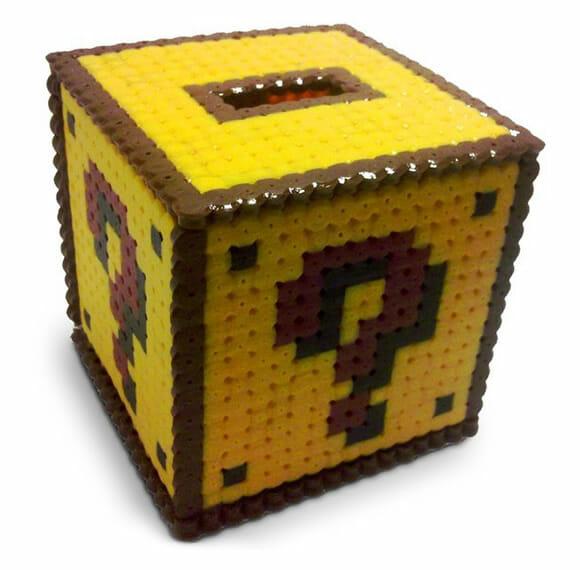 Cofrinho Bloco de Interrogação do game Super Mario. Ele existe e tem moedas!