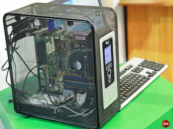 """Gabinete de aço """"vazado"""" para PCs dispensa os coolers e minimiza a poeira interna"""