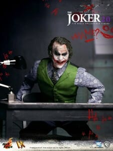hot-toys-dx-joker-2.0_3