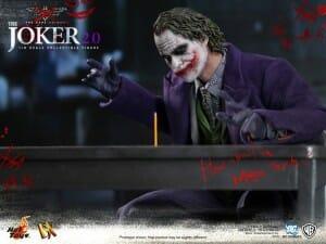 hot-toys-dx-joker-2.0_5