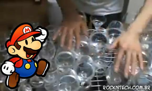 Vídeo épico do dia: Tema de Super Mario tocado com copos de cristal e água