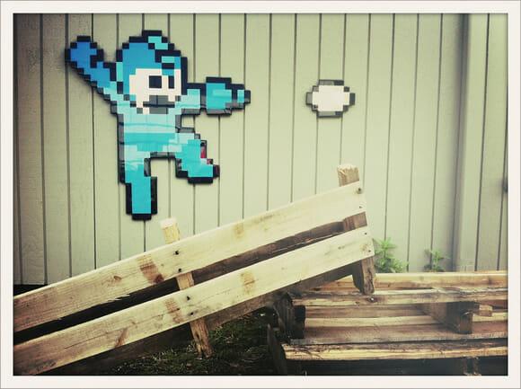 Personagens e símbolos geeks pixelizados para decorar onde quiser
