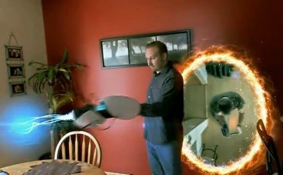 Vídeo curioso revela o quão perigoso pode ser usar uma Portal Gun em casa