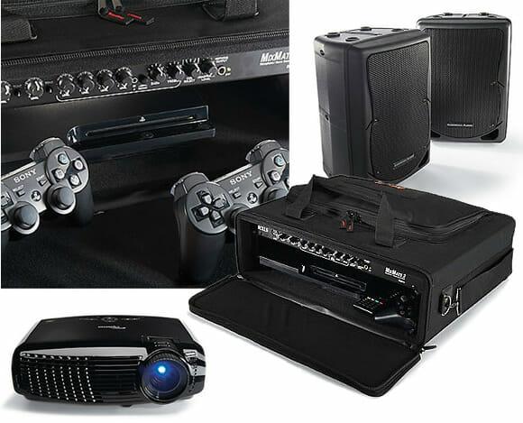 Sonho de Gamer: Kit de entretenimento leva um PS3 e uma tela enorme para a área da piscina!