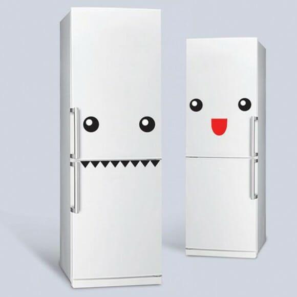 Adesivos deixam a geladeira com uma cara divertida!