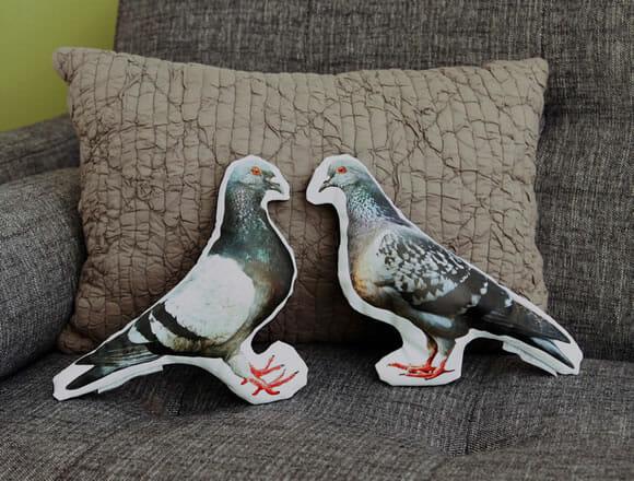 Almofadas criativas têm formato e aparência realista de animais