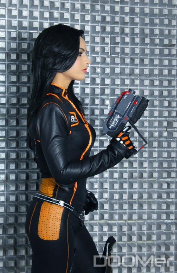 Cosplay da Miranda Lawson de Mass Effect 2