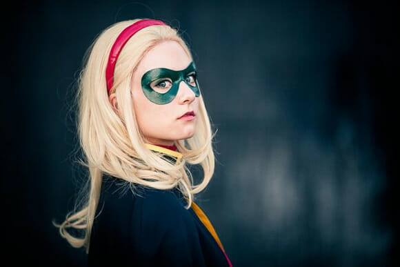 Cosplay Robin (Stephanie Brown)
