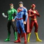 Estátuas do Flash, Superman e Lanterna Verde brilham e fazem nossos olhos brilhar!