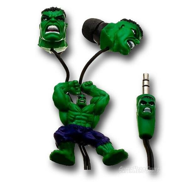 Fones de ouvido do Hulk e Homem-Aranha têm os heróis escalando e decorando os fios