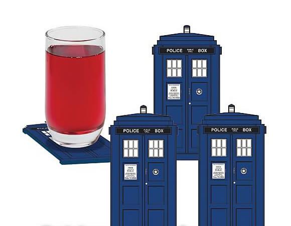 Porta-copos em forma da TARDIS de Doctor Who