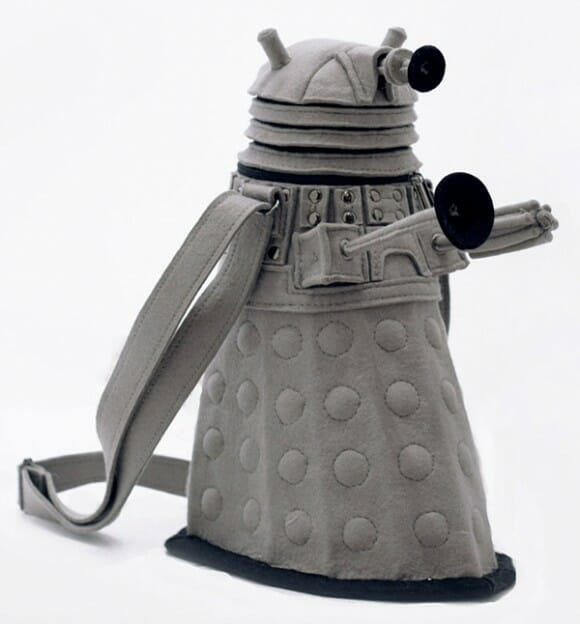 Bolsa Dalek extermina todas as outras bolsas