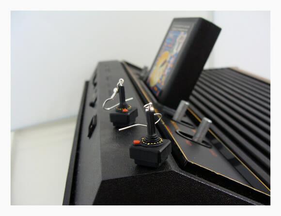 Brincos em forma dos controles do Atari 2600. Perfeitos!