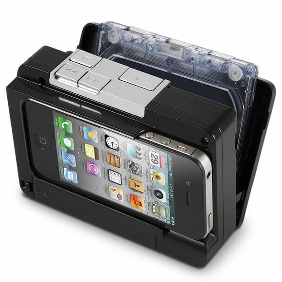 Aparelho eletrônico transfere as músicas de fitas cassetes diretamente para iPhones e iPods