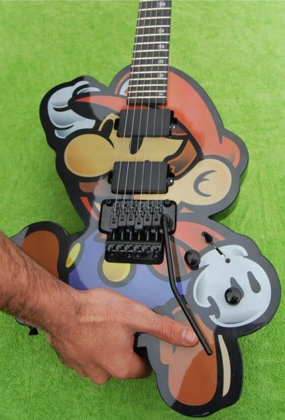 Guitarra incrível do Super Mario! Mamma mia!
