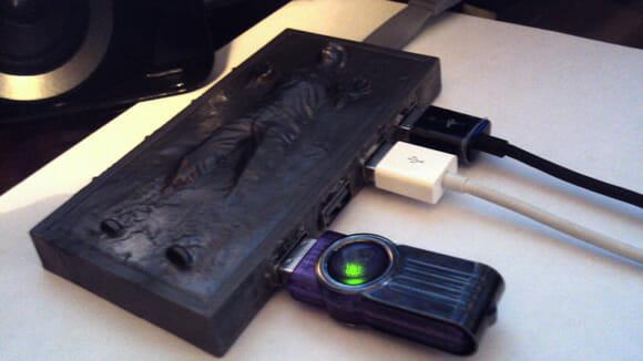 Hub USB Han Solo em carbonite não irá congelar seus gadgets conectados