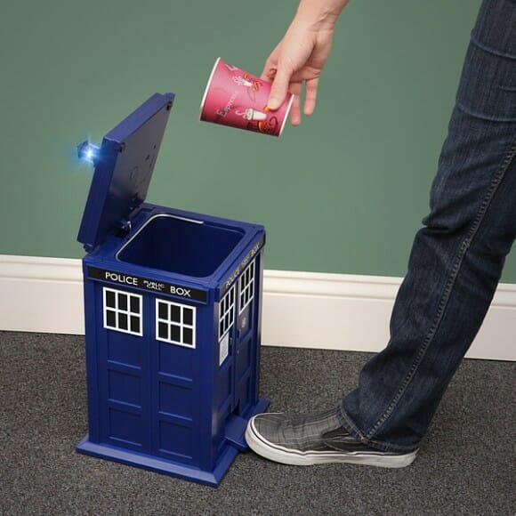 Lixeira TARDIS - Só falta levar o lixo para outro tempo e espaço!