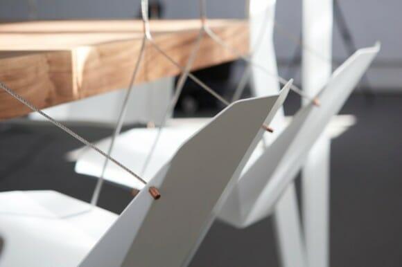 Mesa de jantar inusitada vem com cadeiras de balanço
