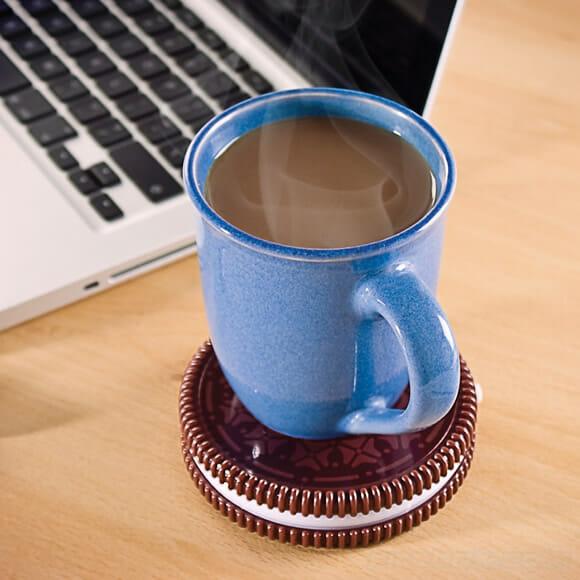 Biscoito Oreo USB promete manter as bebidas aquecidas diretamente do PC
