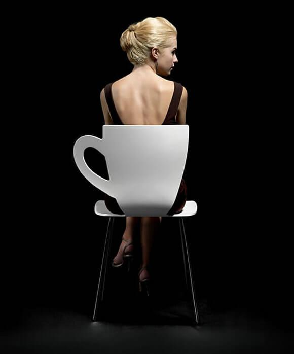 Coffee Chair - Uma cadeira com design de xícara de café