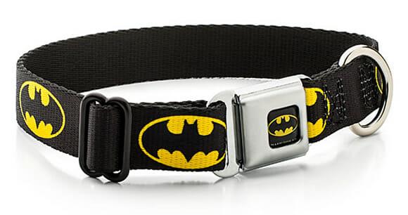 Santa Coleira Batman! Equipe seu cachorro com uma coleira do Batman ou Mulher Maravilha