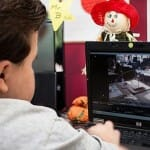 O curioso caso de Devon Carrow Sperduti, um garoto que usa um robô para ir à escola