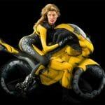 Human Motorcycles - Pessoas com pinturas corporais se transforam em motos e motociclistas
