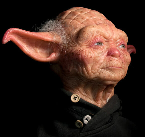 Escultura impressionante do mestre Yoda revela como ele seria se fosse um humano