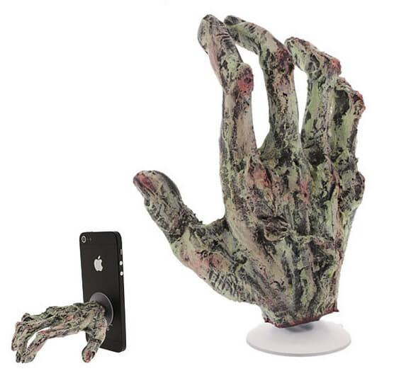 Mão de zumbi para segurar seu smartphone