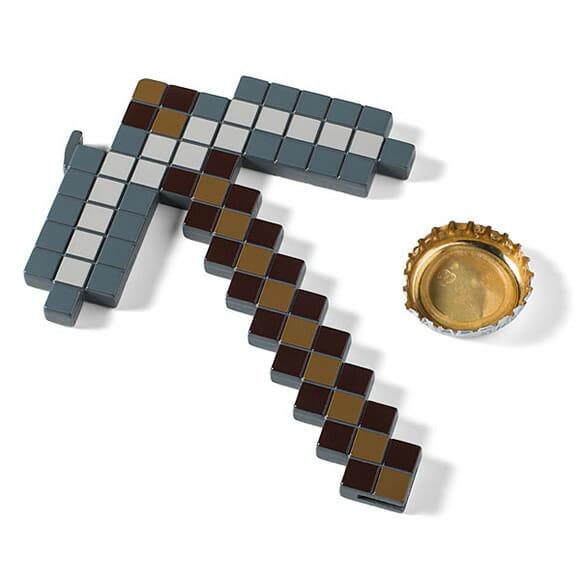 Gamer bebum: Picareta do game Minecraft ganha versão abridor de garrafas!
