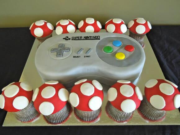 Bolo geek tem formato de controle do Super Nintendo