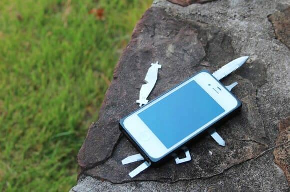 Capa criativa transforma seu iPhone em um canivete suíço