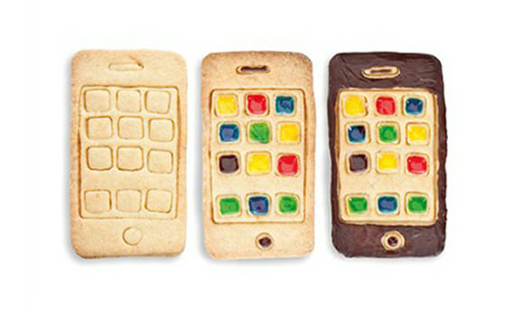 Fôrma especial ajuda qualquer um a criar facilmente bolos com formato de iPhone