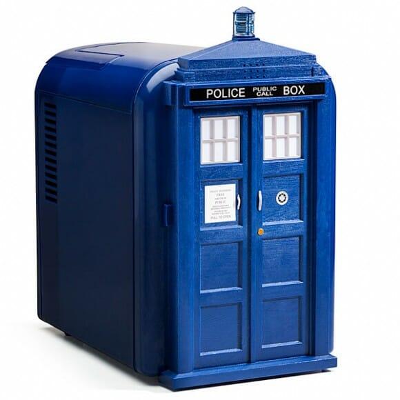 Mini geladeira TARDIS para fãs de Doctor Who