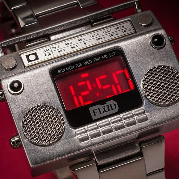 Relógio de pulso Boombox não toca música mas é super estiloso!