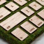 Designer cria teclado de grama e madeira que parece que brotou do jardim