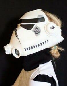 Tutorial: Aprenda a criar seu próprio capacete Stormtrooper com garrafas
