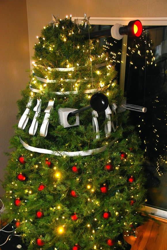 Árvore Dalek extermina a decoração de Natal convencional!