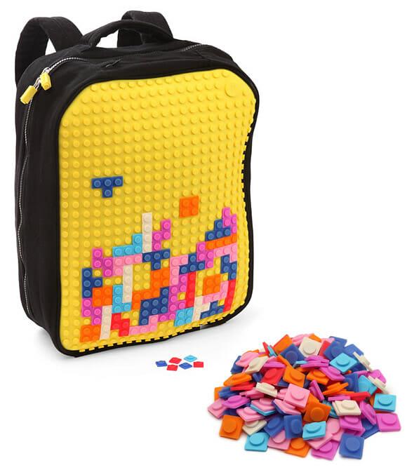 Mochila 8-bit criativa permite que você crie sua própria estampa com pixels!