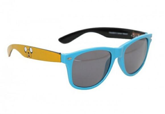 Prepare-se para as aventuras do verão com o óculos de sol do Adventure Time!